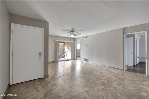Photo of 5525 E THOMAS Road #B11, Phoenix, AZ 85018 (MLS # 6185249)
