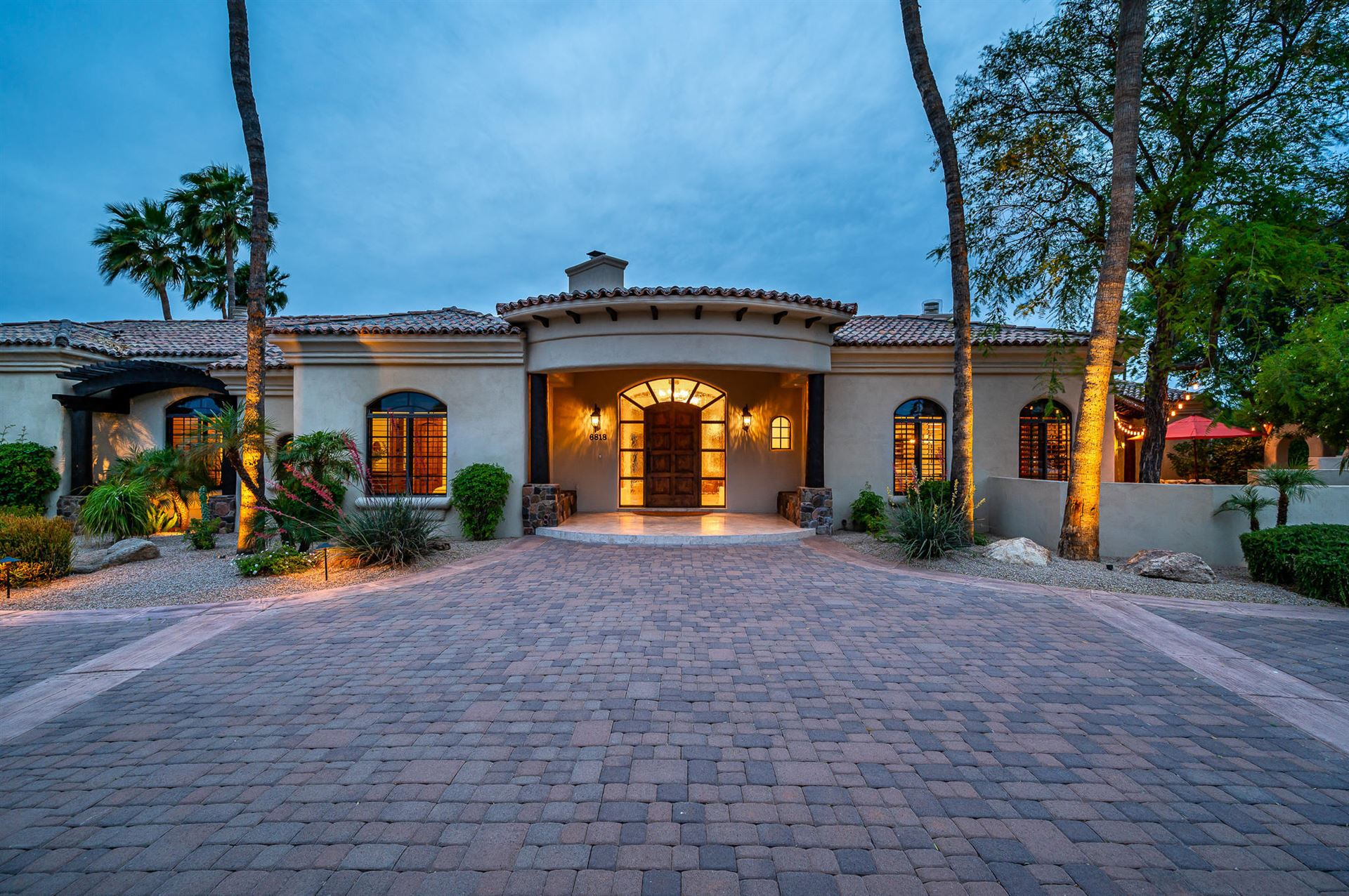 Photo of 6818 E Fanfol Drive, Paradise Valley, AZ 85253 (MLS # 6228250)
