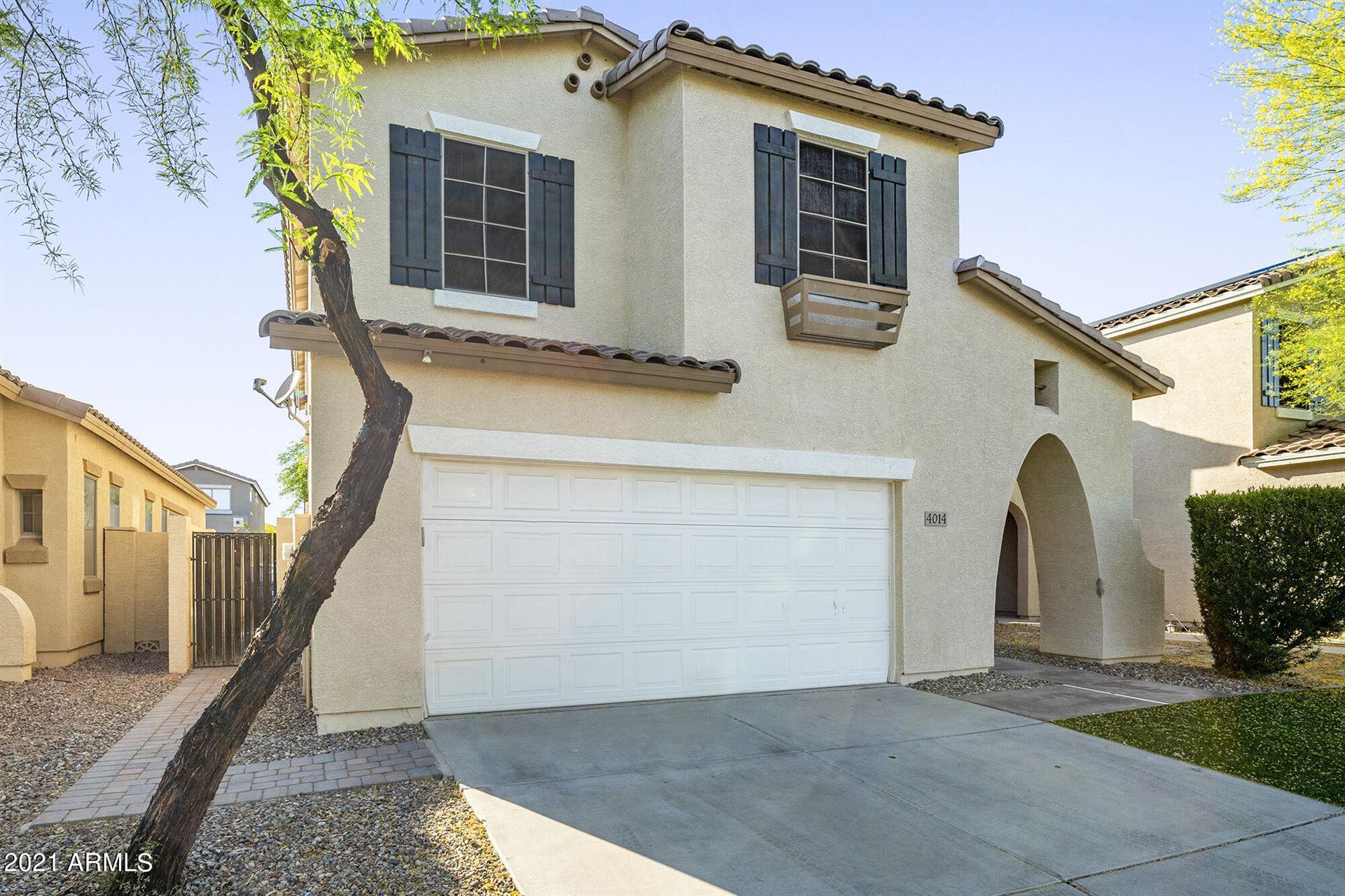 Photo of 4014 E IRONHORSE Road, Gilbert, AZ 85297 (MLS # 6232263)