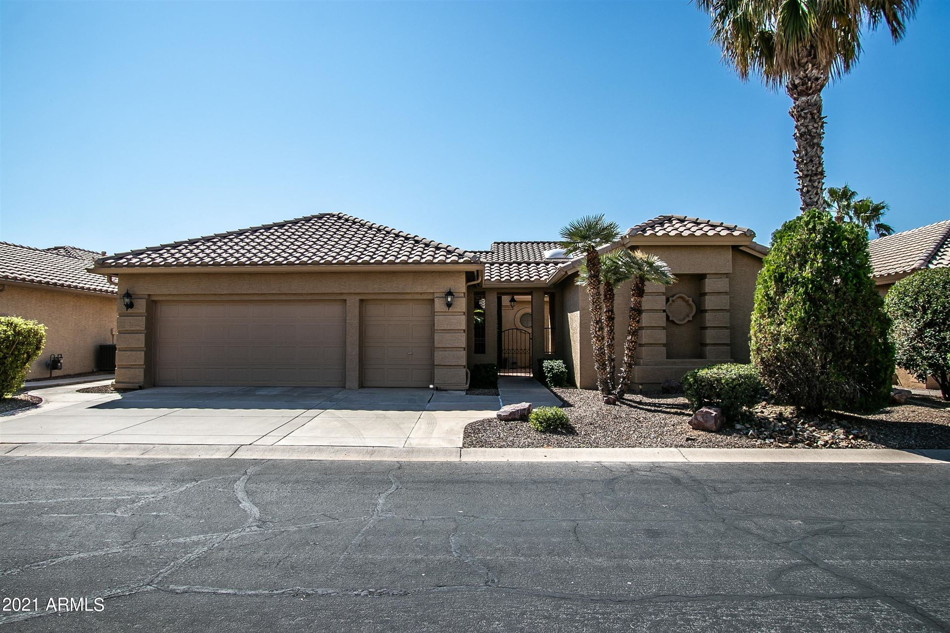 Photo of 8921 E COPPER Drive, Sun Lakes, AZ 85248 (MLS # 6302266)