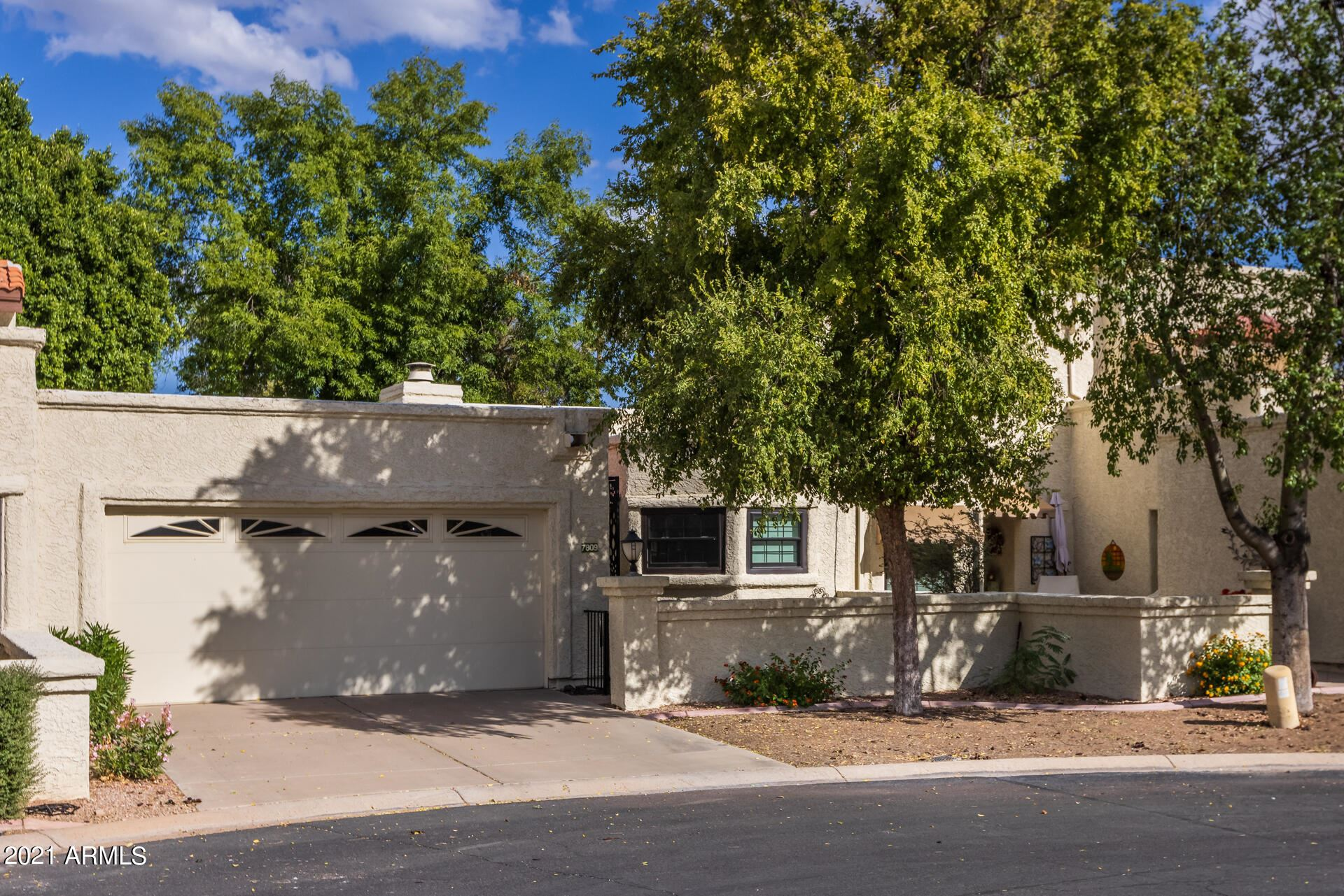 Photo of 7809 S KACHINA Drive, Tempe, AZ 85284 (MLS # 6310278)