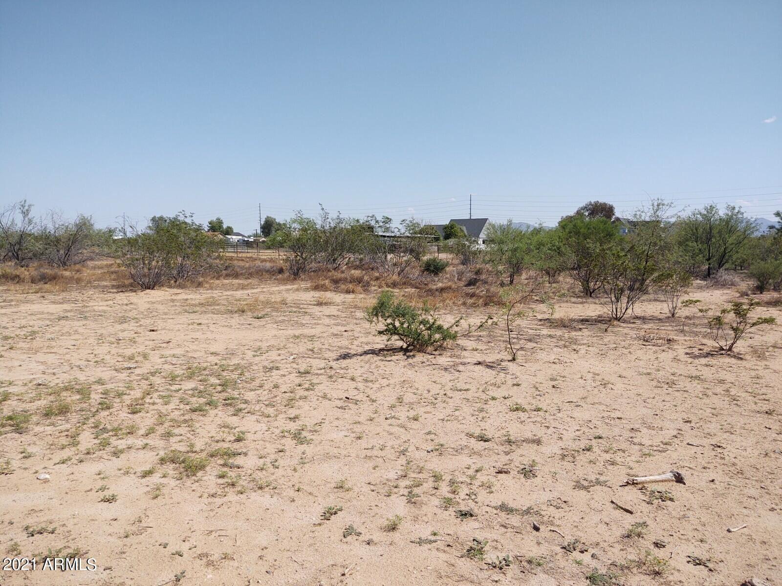 Photo of 0 N 253rd Drive, Wittmann, AZ 85361 (MLS # 6283279)