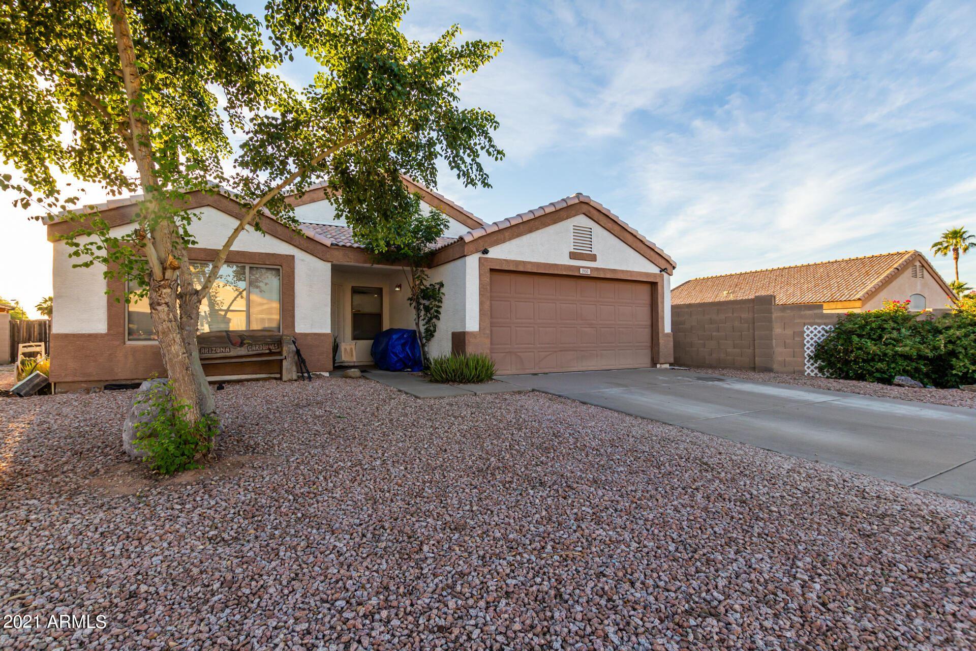 Photo of 1950 S RENNICK Drive, Apache Junction, AZ 85120 (MLS # 6304283)