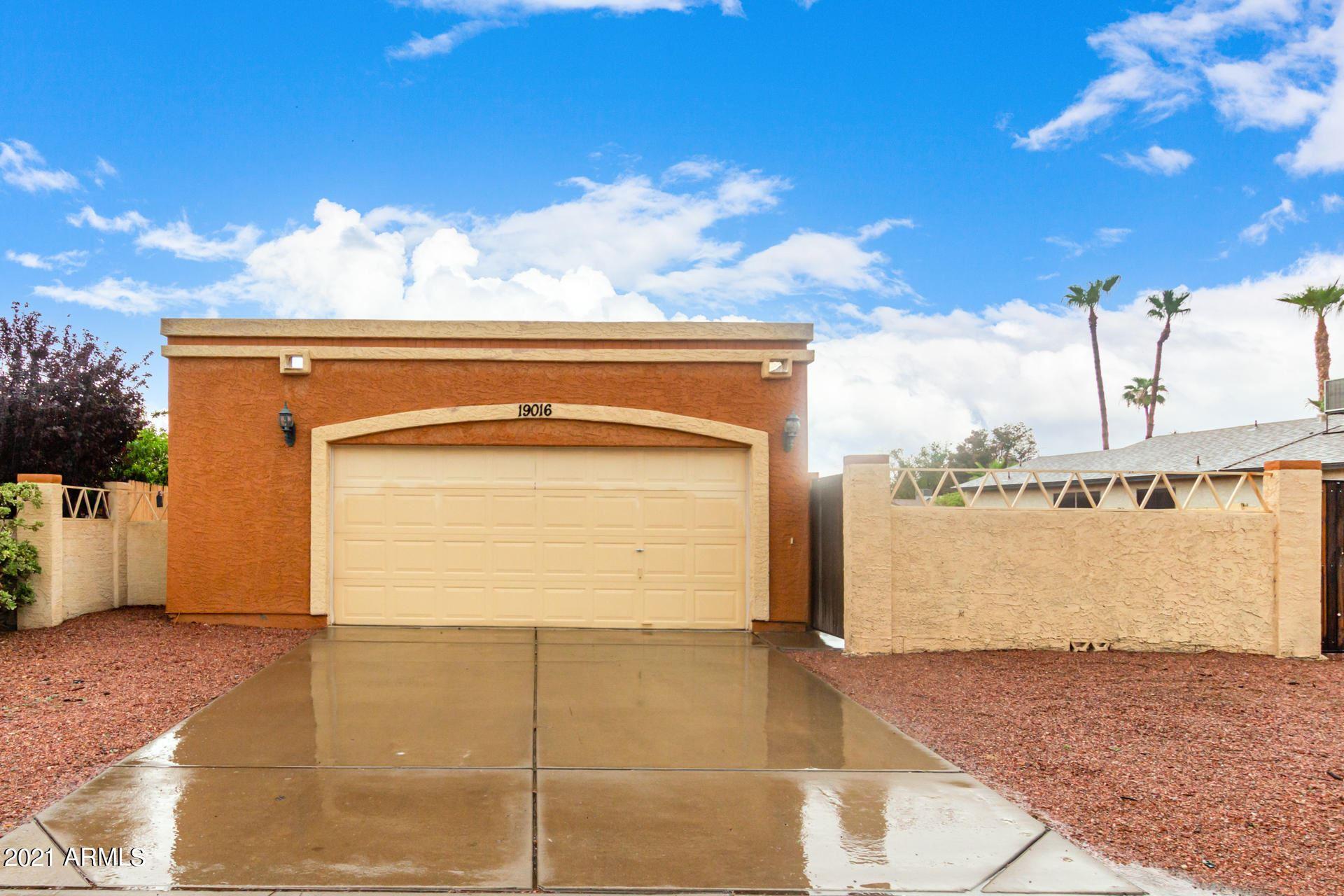 Photo of 19016 N 15TH Street, Phoenix, AZ 85024 (MLS # 6269288)