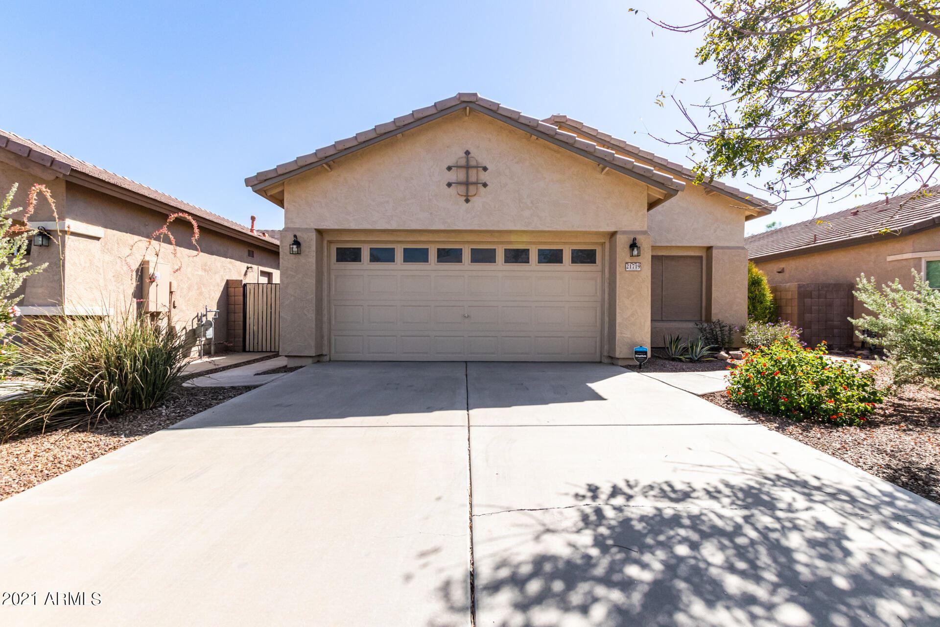 Photo of 21719 N GREENLAND PARK Drive, Maricopa, AZ 85139 (MLS # 6307297)