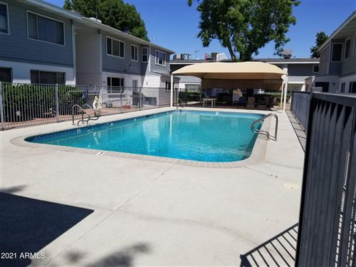 Photo of 2575 W BERRIDGE Lane #D-203, Phoenix, AZ 85017 (MLS # 6236299)