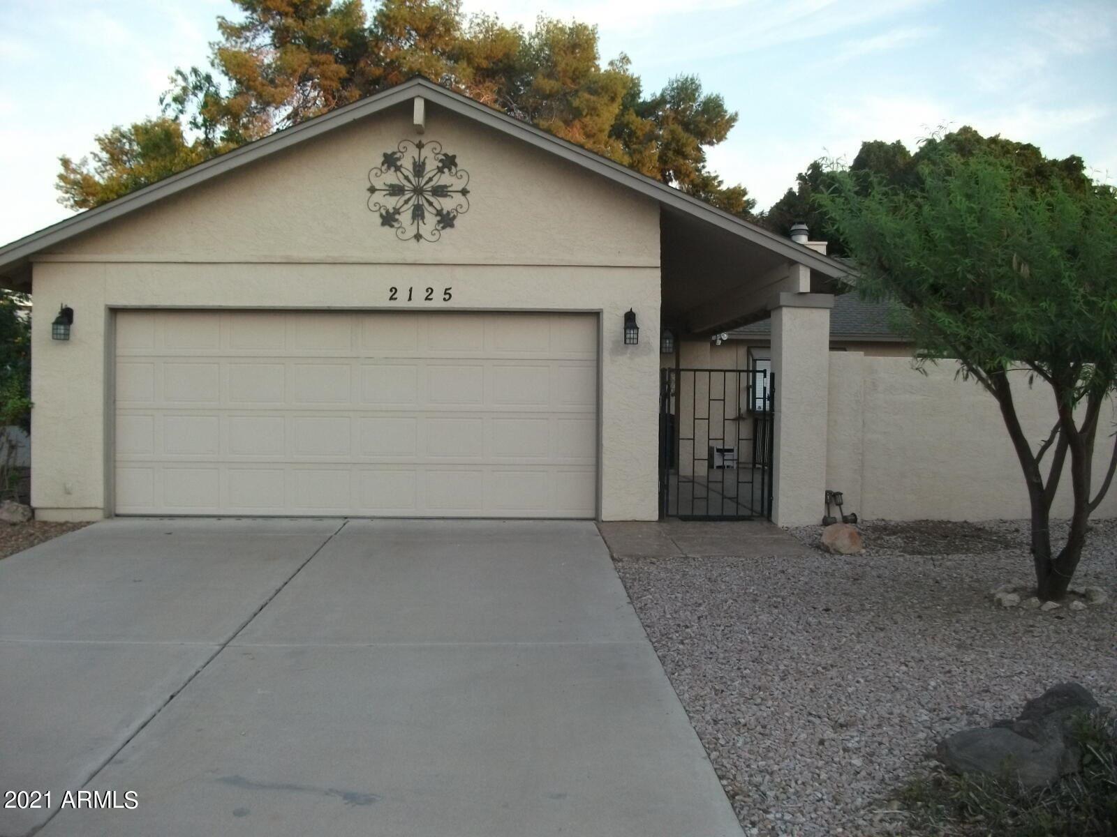 Photo of 2125 W JIBSAIL Loop, Mesa, AZ 85202 (MLS # 6296314)