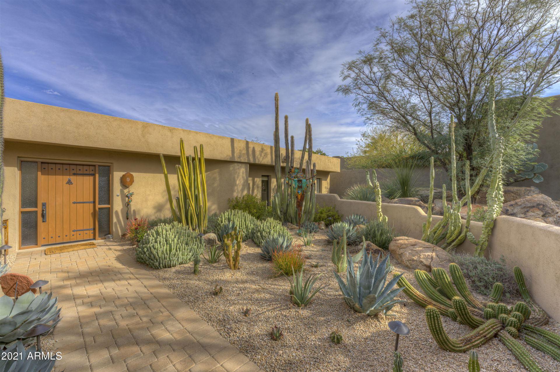 Photo of 1708 E STAGHORN Lane, Carefree, AZ 85377 (MLS # 6190316)