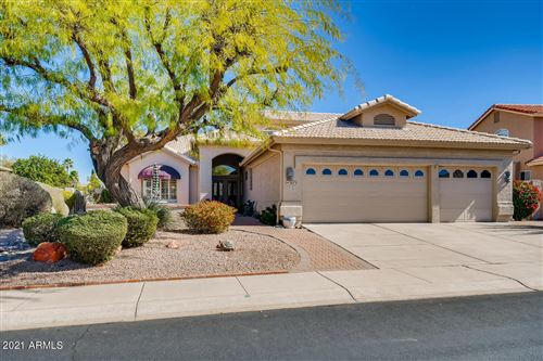 Photo of 5673 S AMBERWOOD Drive, Chandler, AZ 85248 (MLS # 6198320)