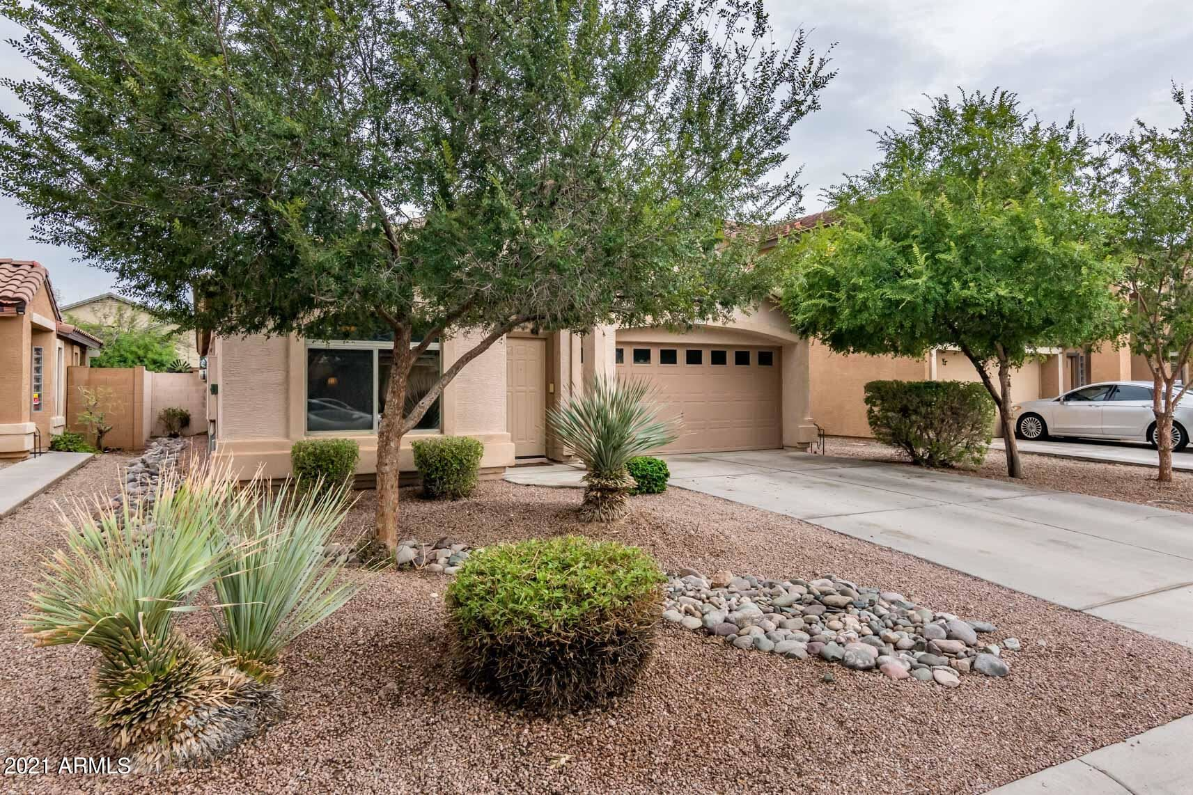 Photo of 1336 E SHARI Street, San Tan Valley, AZ 85140 (MLS # 6266333)