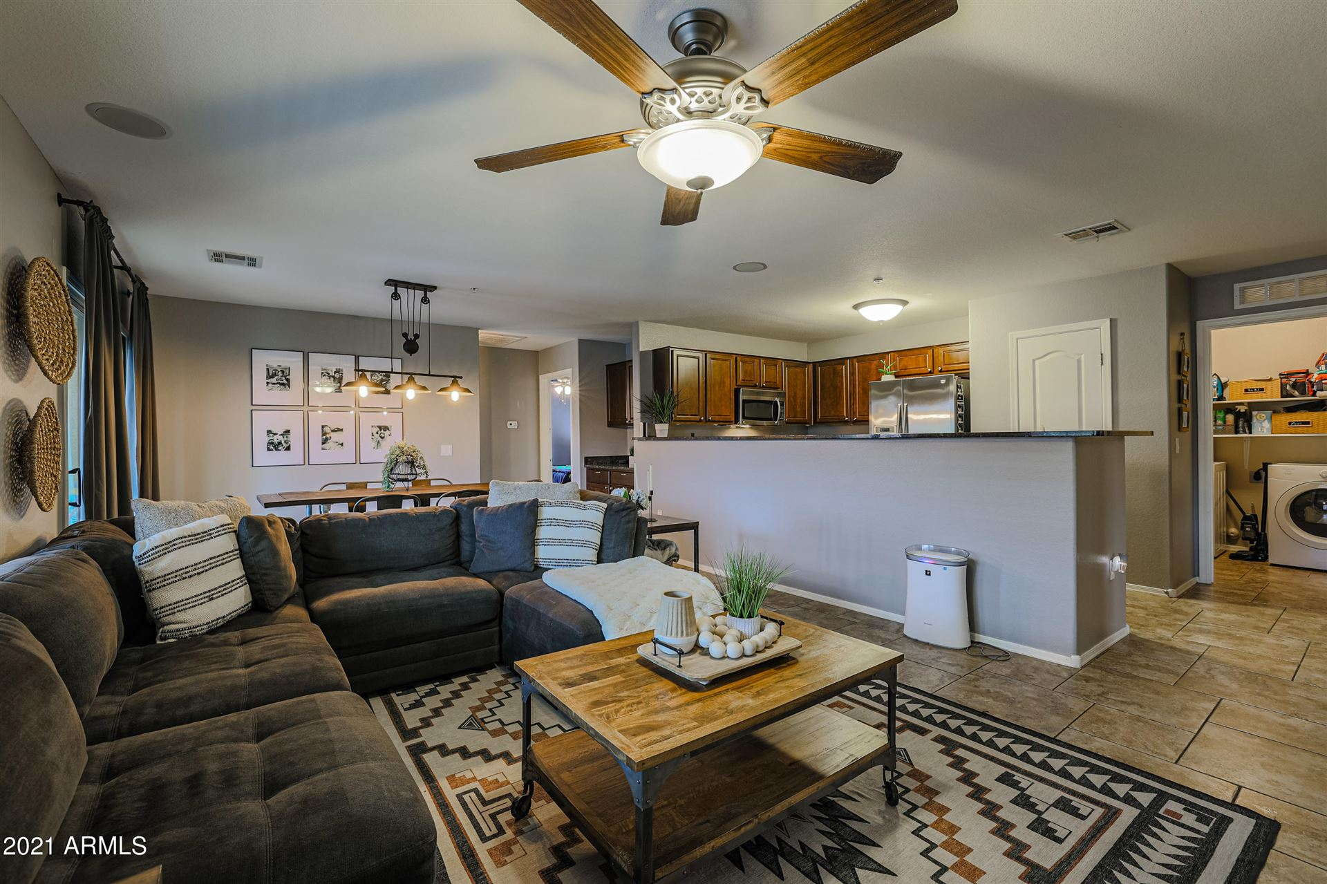 Photo of 1350 S GREENFIELD Road #2083, Mesa, AZ 85206 (MLS # 6269335)