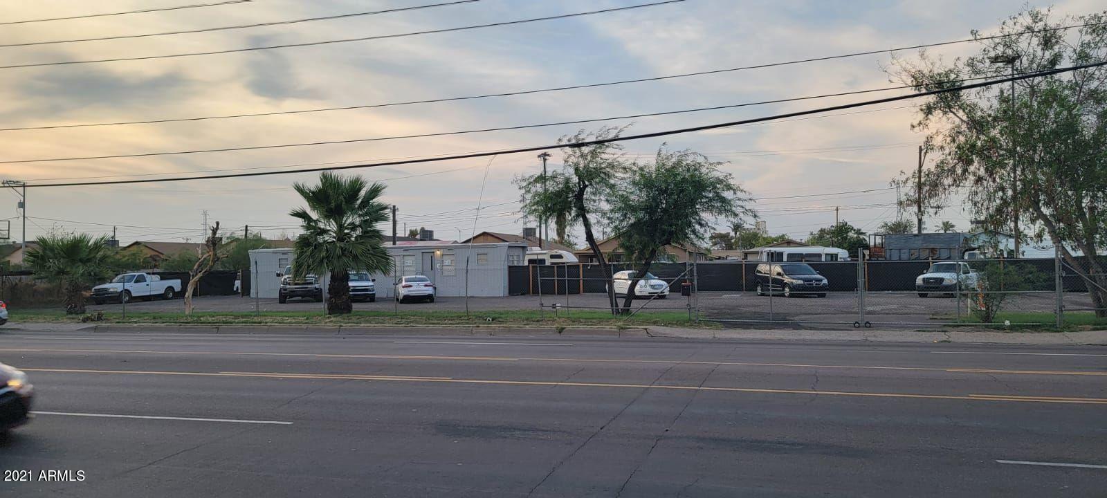 Photo of 2412 W BUCKEYE Road, Phoenix, AZ 85009 (MLS # 6269337)