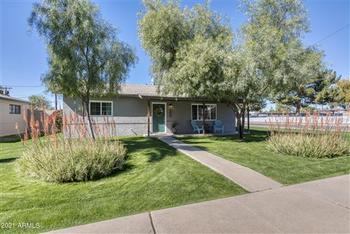 Photo of 902 W CAMPUS Drive, Phoenix, AZ 85013 (MLS # 6198338)