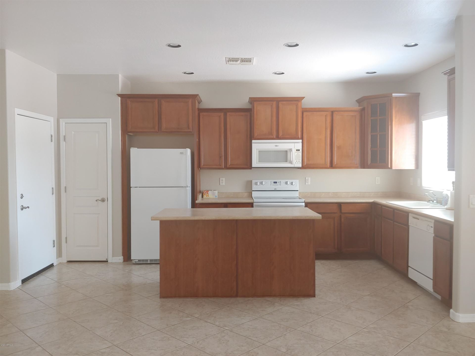 Photo of 1086 S Sacramento Place, Chandler, AZ 85286 (MLS # 6272341)