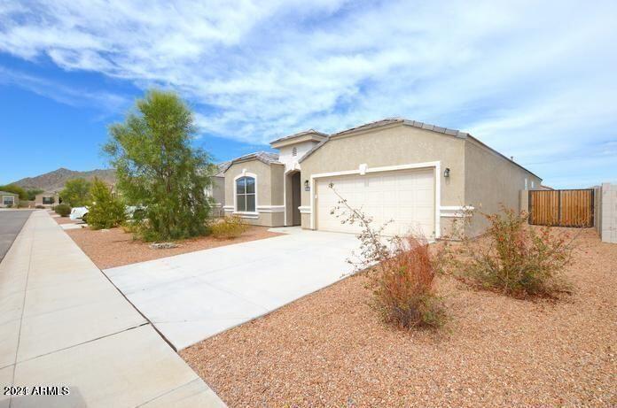 Photo of 4116 W GOLDMINE MOUNTAIN Drive, Queen Creek, AZ 85142 (MLS # 6307343)