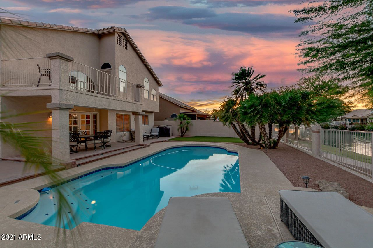 Photo of 532 W CANDLEWOOD Lane, Gilbert, AZ 85233 (MLS # 6249347)