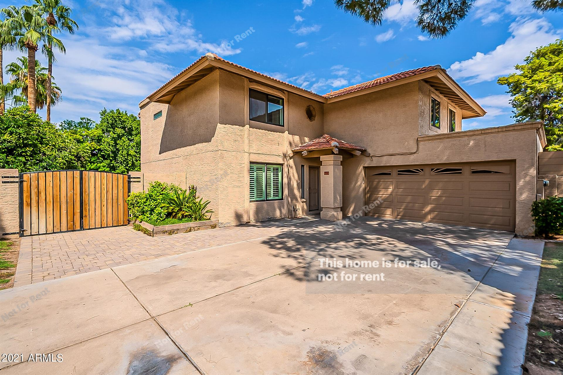 Photo of 713 N LARKSPUR Street, Gilbert, AZ 85234 (MLS # 6296350)