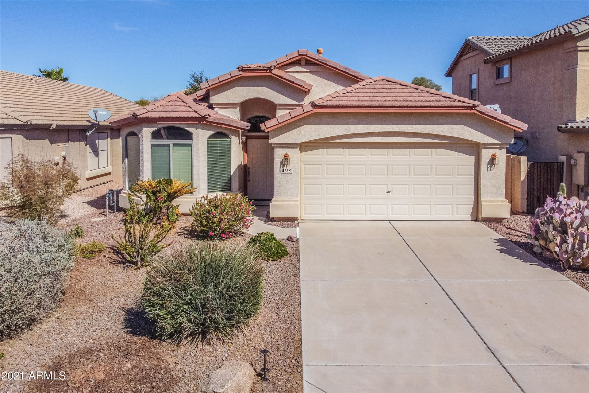 Photo of 4256 E ROCK Drive, San Tan Valley, AZ 85143 (MLS # 6202352)