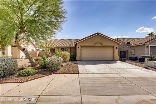 Photo of 2223 W GOLDMINE MOUNTAIN Drive, Queen Creek, AZ 85142 (MLS # 6292354)