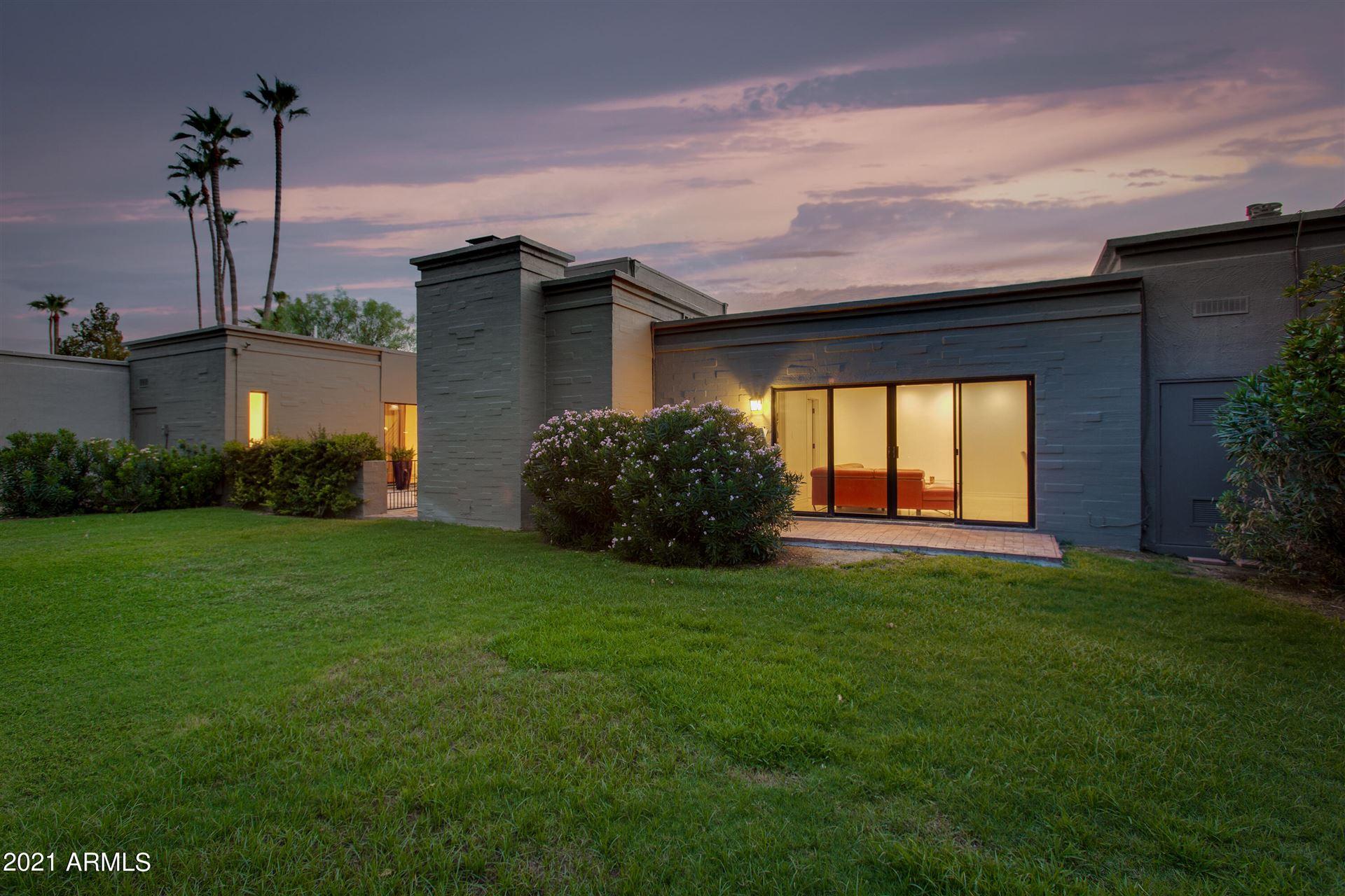 Photo of 5646 N Scottsdale Road, Paradise Valley, AZ 85253 (MLS # 6269355)