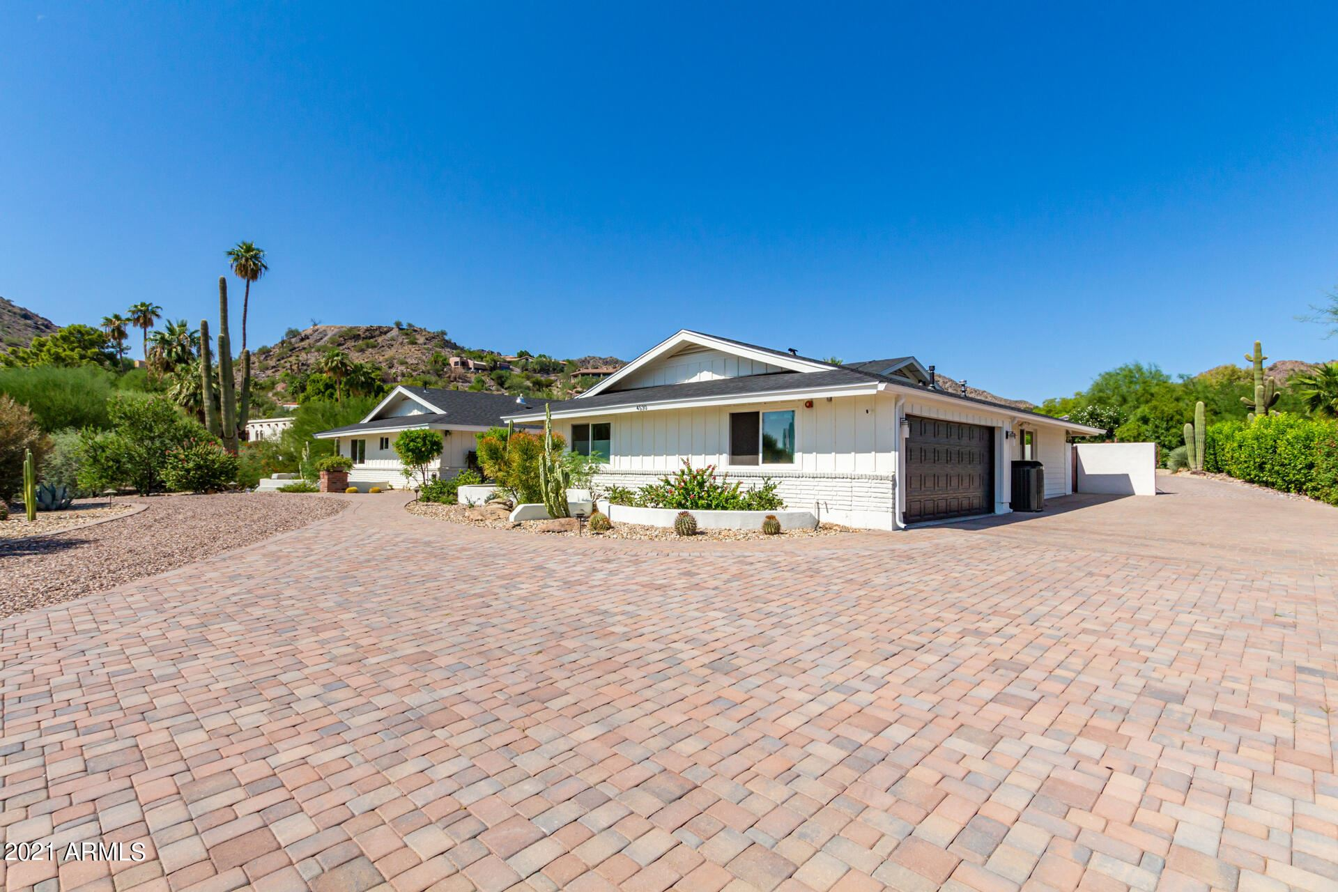 Photo of 4530 E INDIAN BEND Road, Paradise Valley, AZ 85253 (MLS # 6303363)
