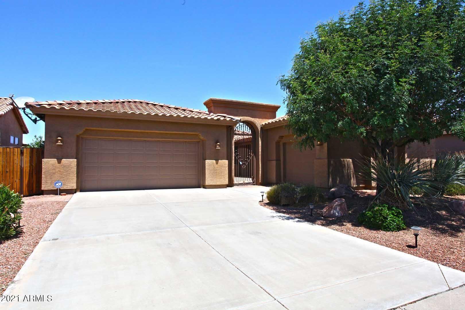 Photo of 24214 S DESERT VALE Drive, Sun Lakes, AZ 85248 (MLS # 6261367)