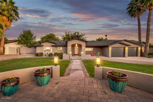 Photo of 1801 E BERRIDGE Lane, Phoenix, AZ 85016 (MLS # 6104369)
