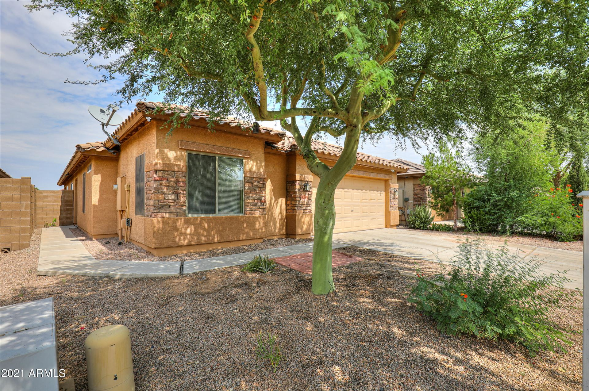 Photo of 46094 W STARLIGHT Drive, Maricopa, AZ 85139 (MLS # 6293374)