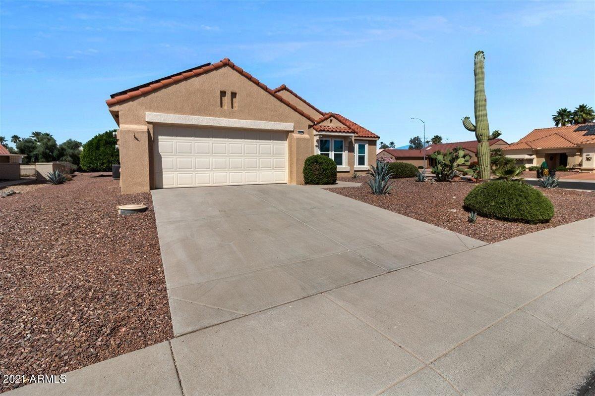 Photo of 22924 N LA PAZ Lane, Sun City West, AZ 85375 (MLS # 6232386)