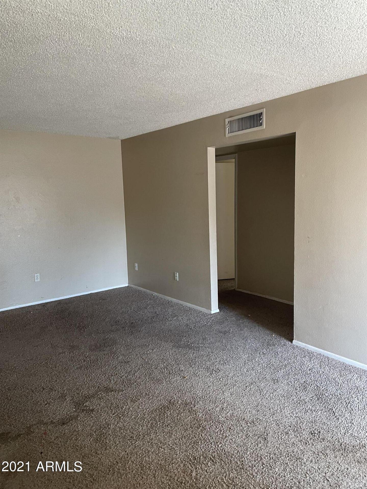 Photo of 2120 W HERMOSA Drive, Tempe, AZ 85282 (MLS # 6306390)