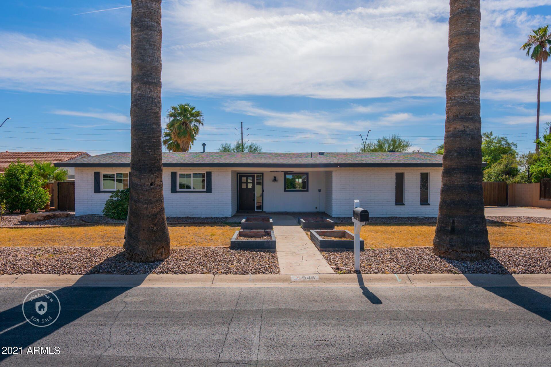 Photo of 948 CASTILLO Drive S, Litchfield Park, AZ 85340 (MLS # 6311391)