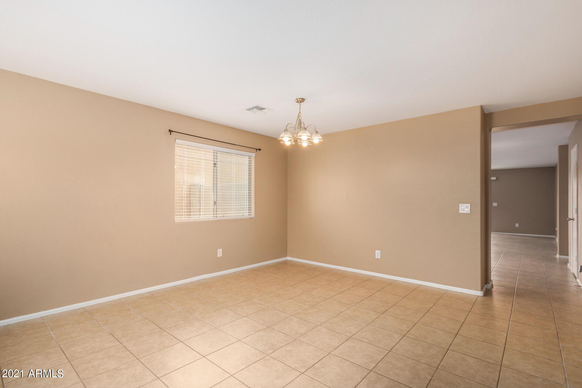 Photo of 7263 W CACTUS WREN Drive, Glendale, AZ 85303 (MLS # 6267393)