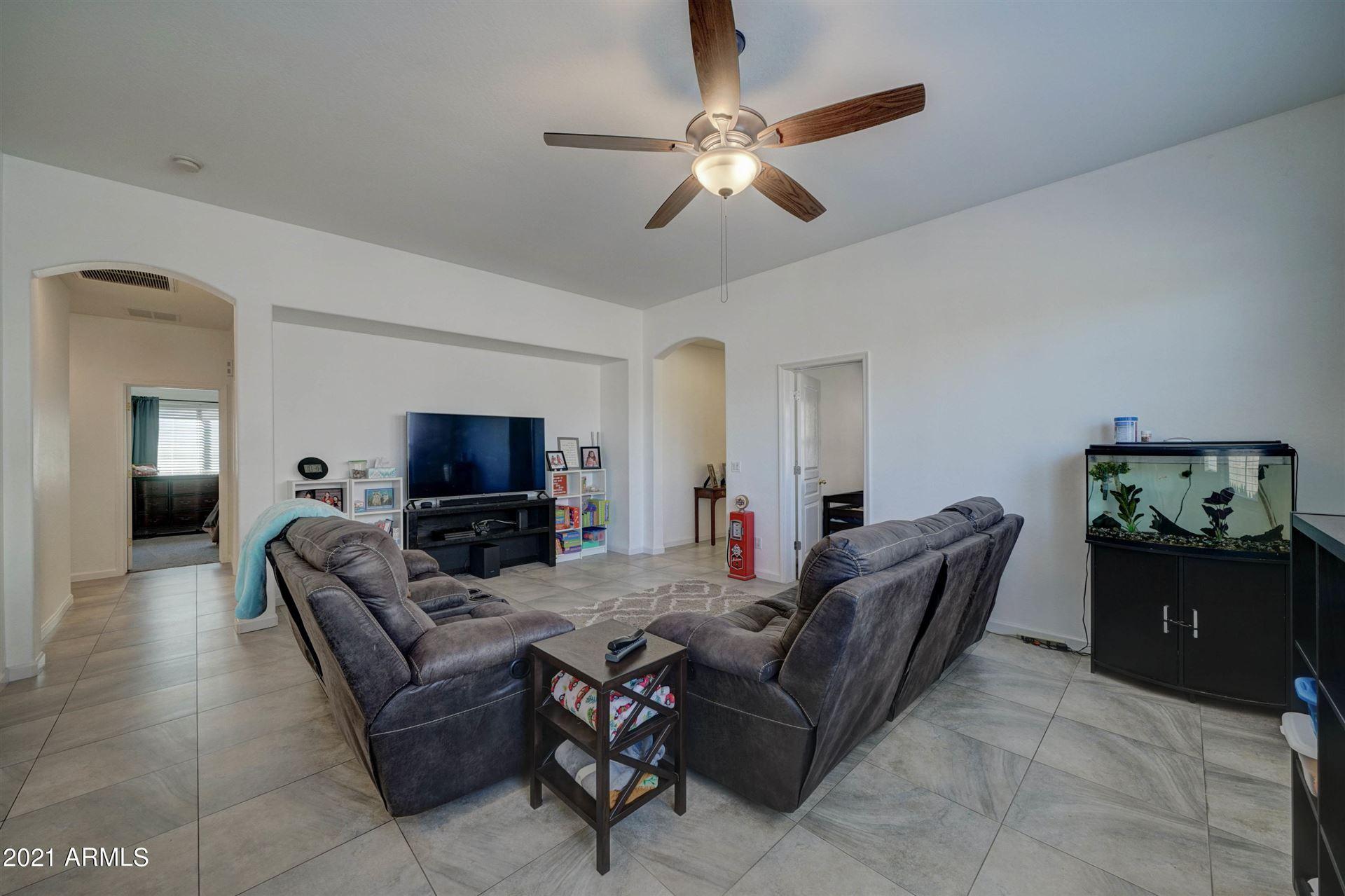 Photo of 1127 S 220TH Drive, Buckeye, AZ 85326 (MLS # 6200417)