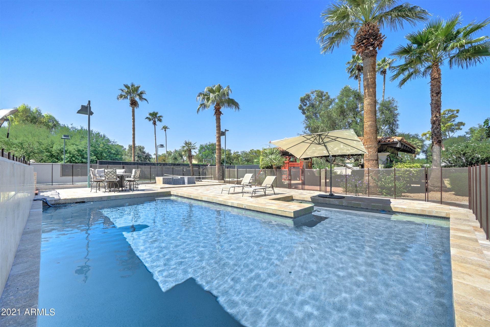 Photo of 6816 E CABALLO Drive, Paradise Valley, AZ 85253 (MLS # 6302421)