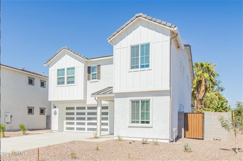 Photo of 3750 E EARLL Drive, Phoenix, AZ 85018 (MLS # 6296432)