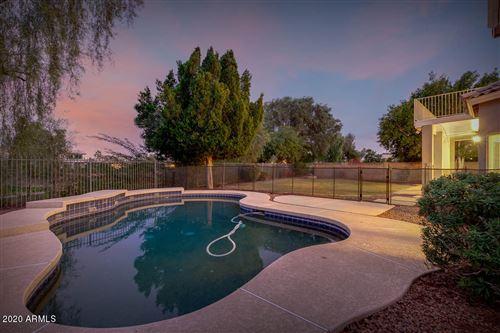Photo of 1762 W REDFIELD Road, Gilbert, AZ 85233 (MLS # 6170433)