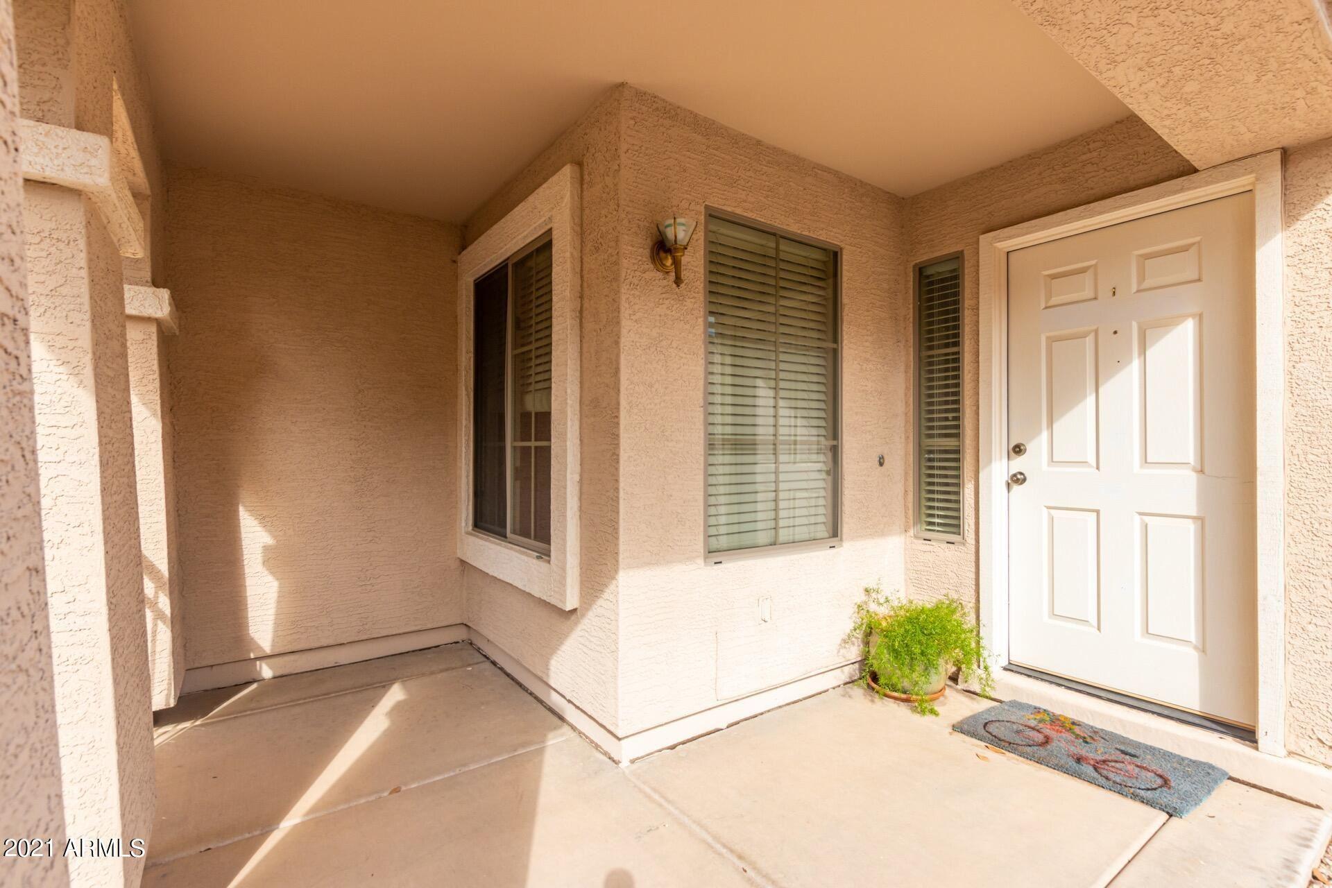 Photo of 2588 W SAWTOOTH Way, Queen Creek, AZ 85142 (MLS # 6296433)