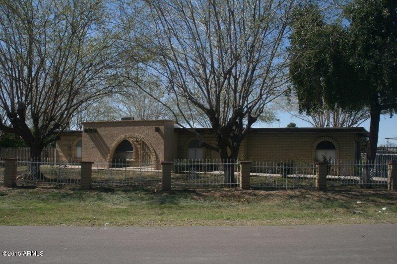 Photo of 802 N ALZORA Way, Tolleson, AZ 85353 (MLS # 6301435)
