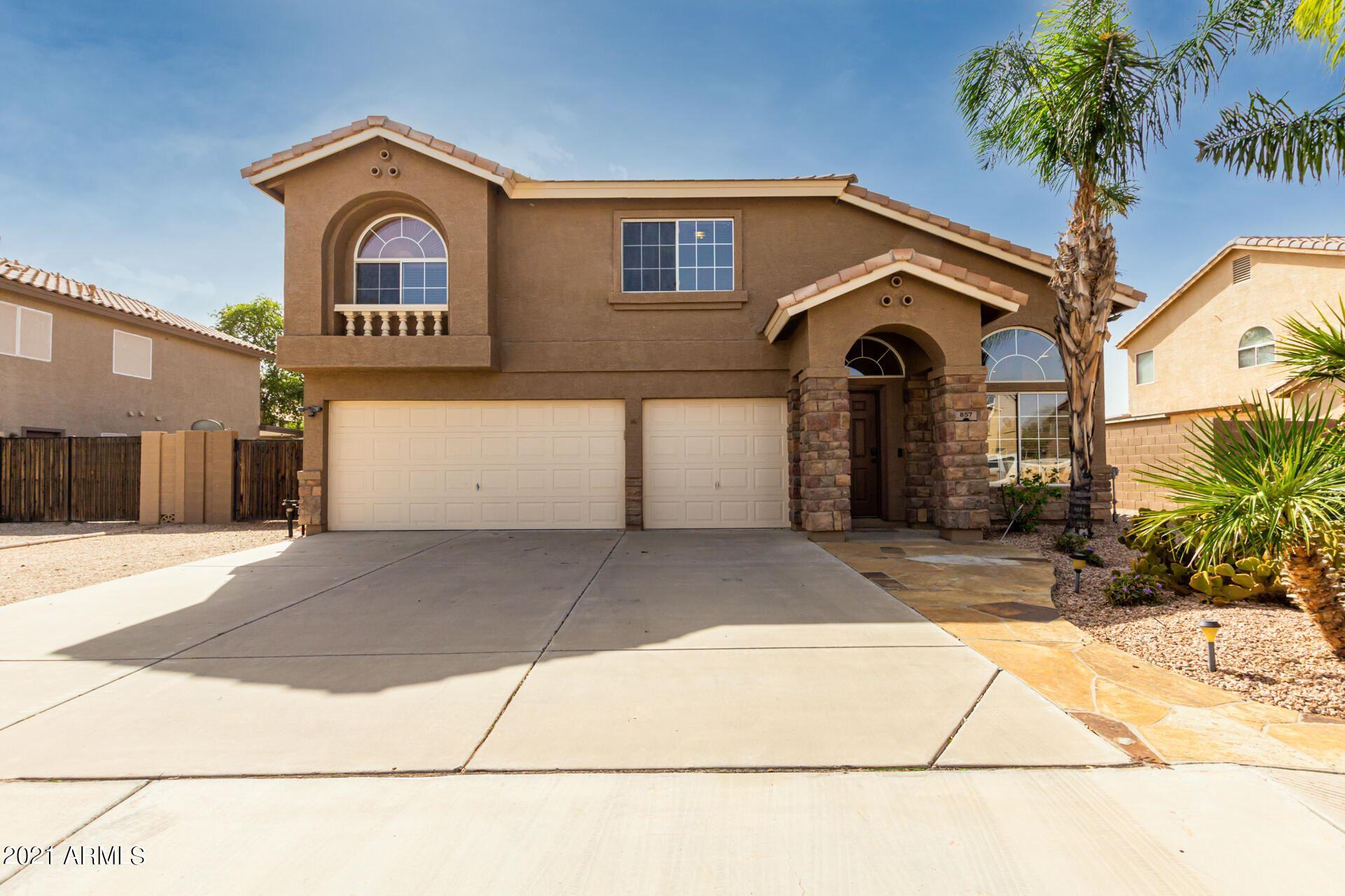 Photo of 857 E STIRRUP Lane, San Tan Valley, AZ 85143 (MLS # 6306445)