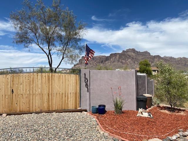 Photo of 1061 N ARROYA Road, Apache Junction, AZ 85119 (MLS # 6248446)