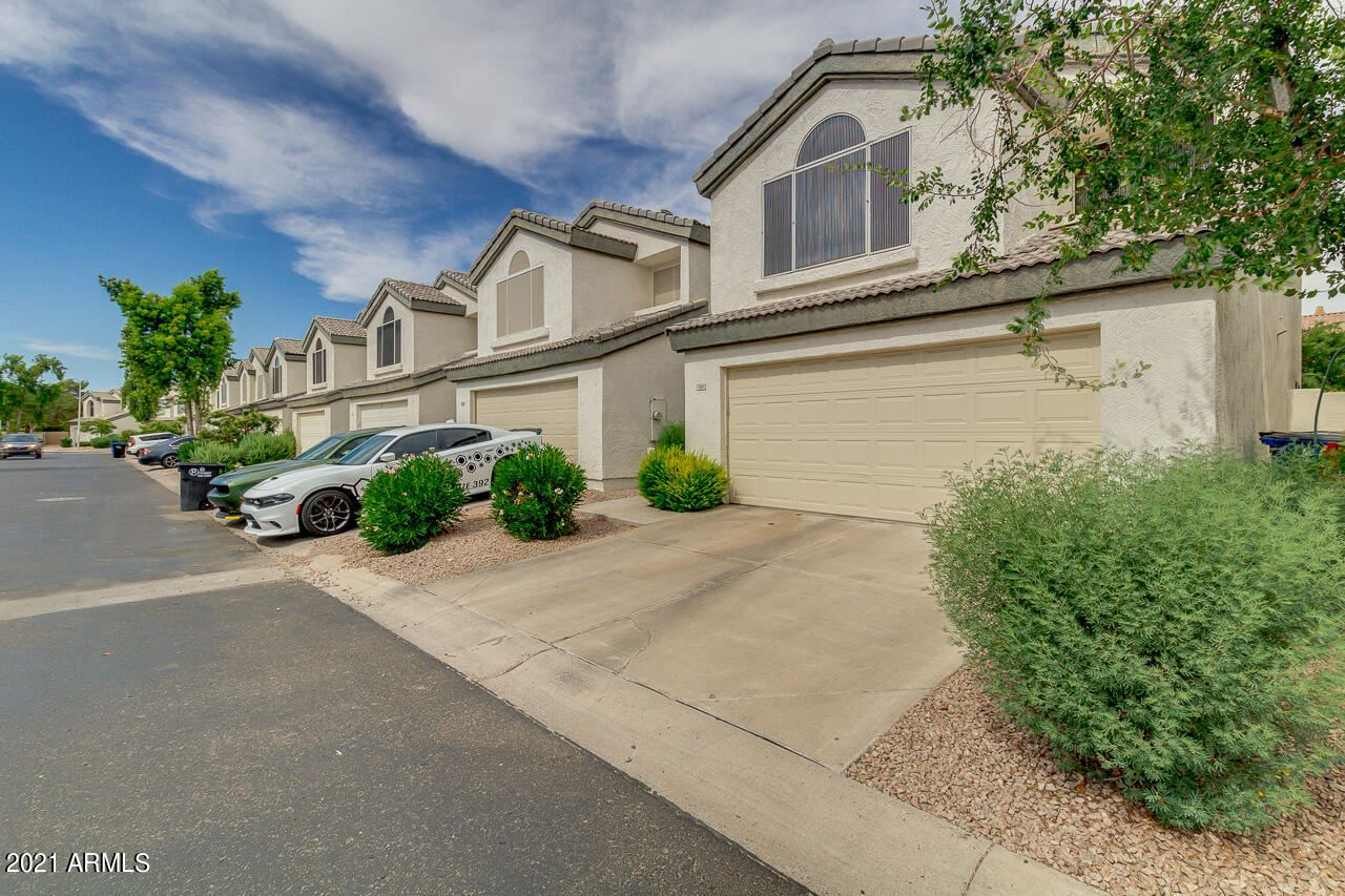 Photo of 525 S SUNRISE Drive, Gilbert, AZ 85233 (MLS # 6249451)
