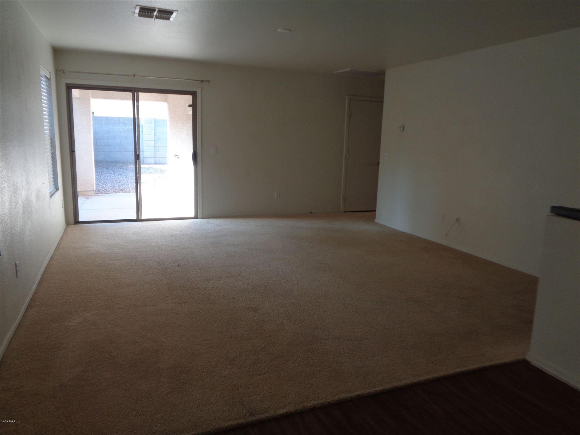 Photo of 1095 E PARKVIEW Court, Gilbert, AZ 85295 (MLS # 6249460)