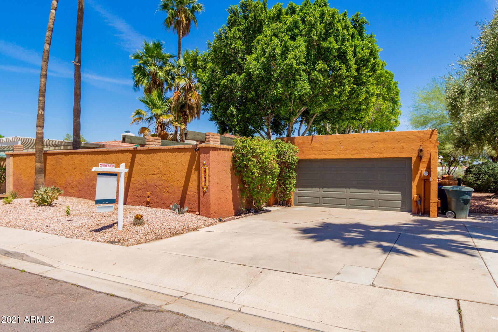 Photo of 2633 S COUNTRY CLUB Way, Tempe, AZ 85282 (MLS # 6232463)