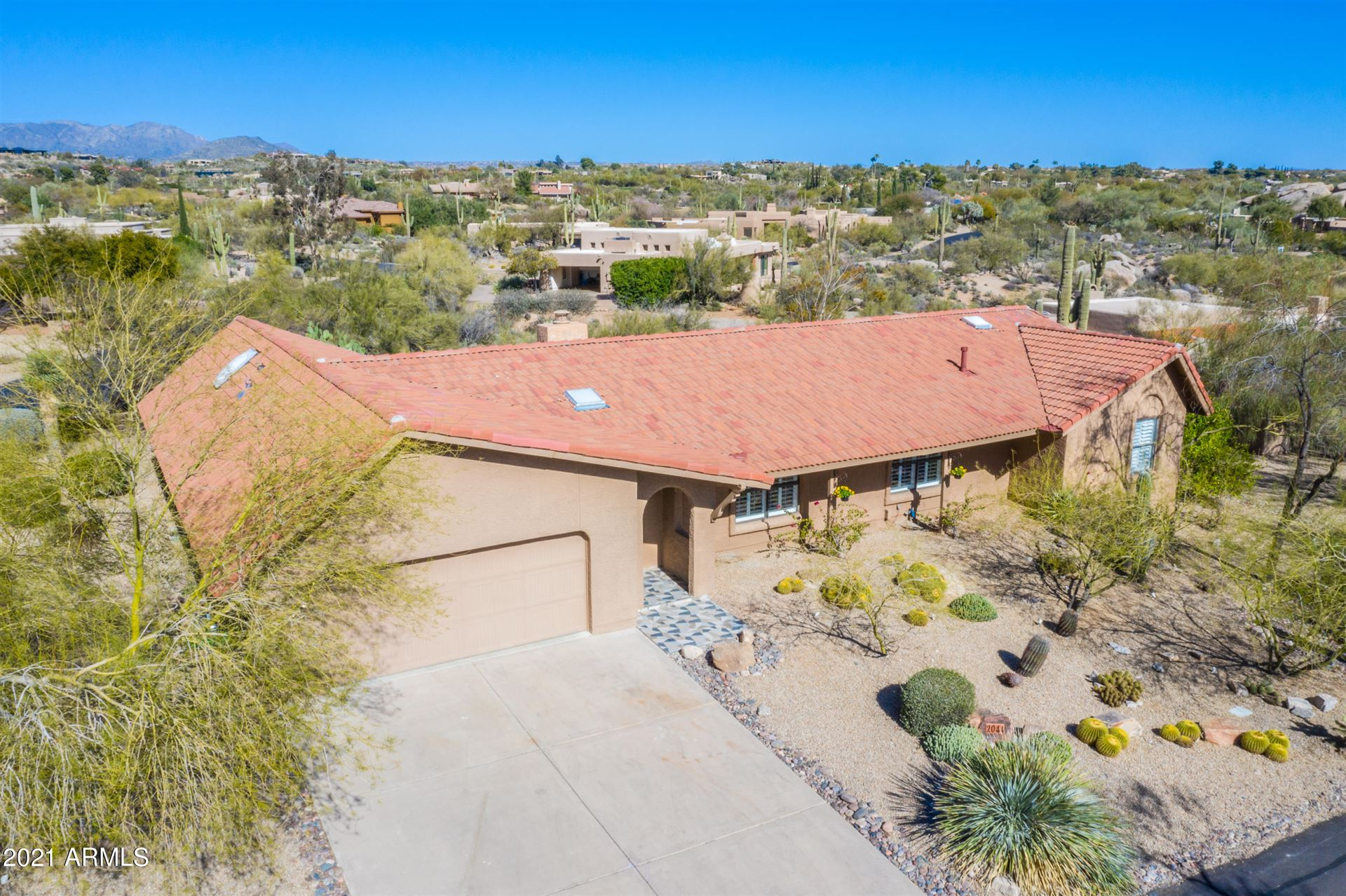 Photo of 2044 E SMOKETREE Drive, Carefree, AZ 85377 (MLS # 6191475)
