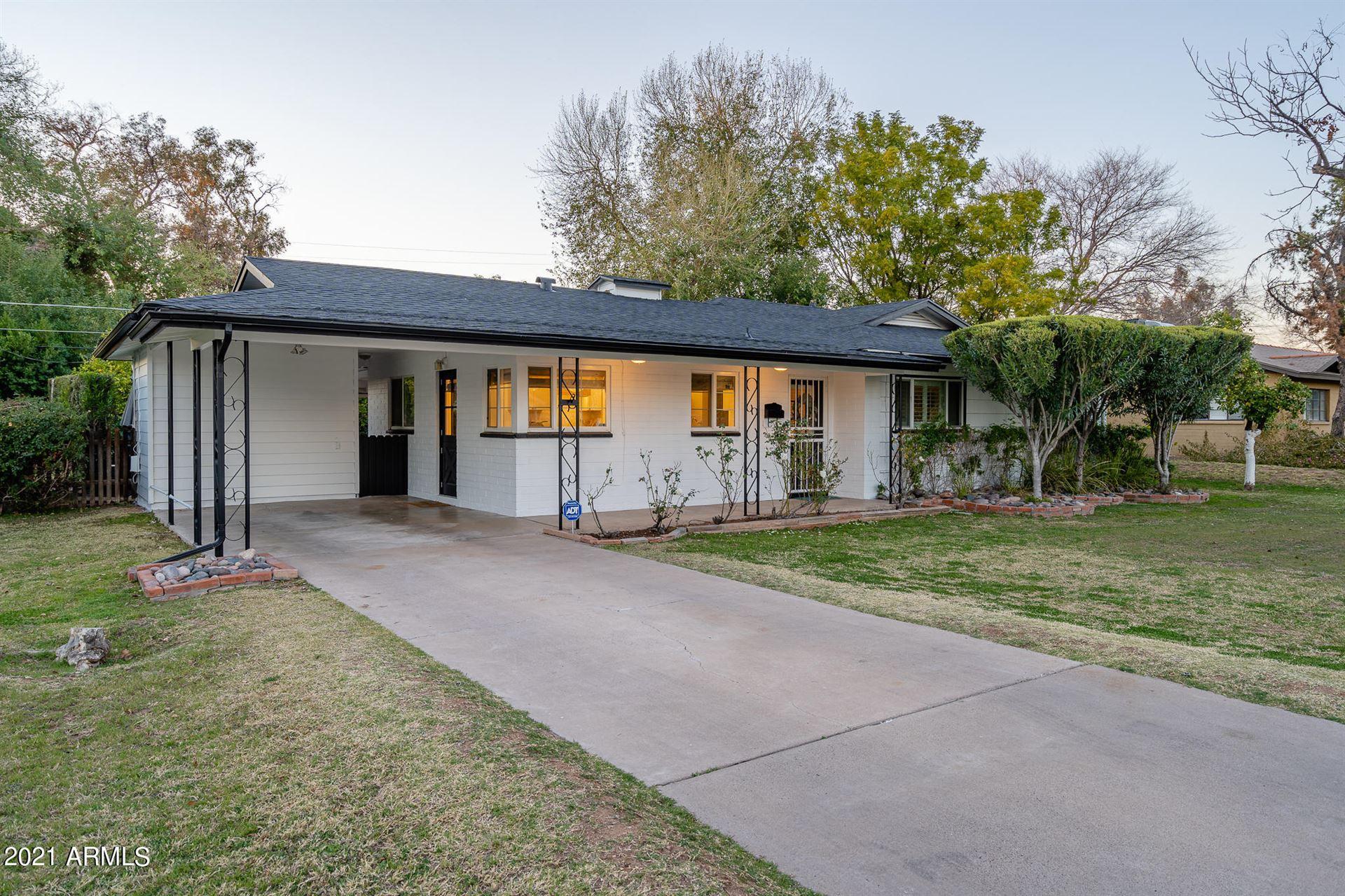 Photo of 3842 N 50TH Place, Phoenix, AZ 85018 (MLS # 6202482)
