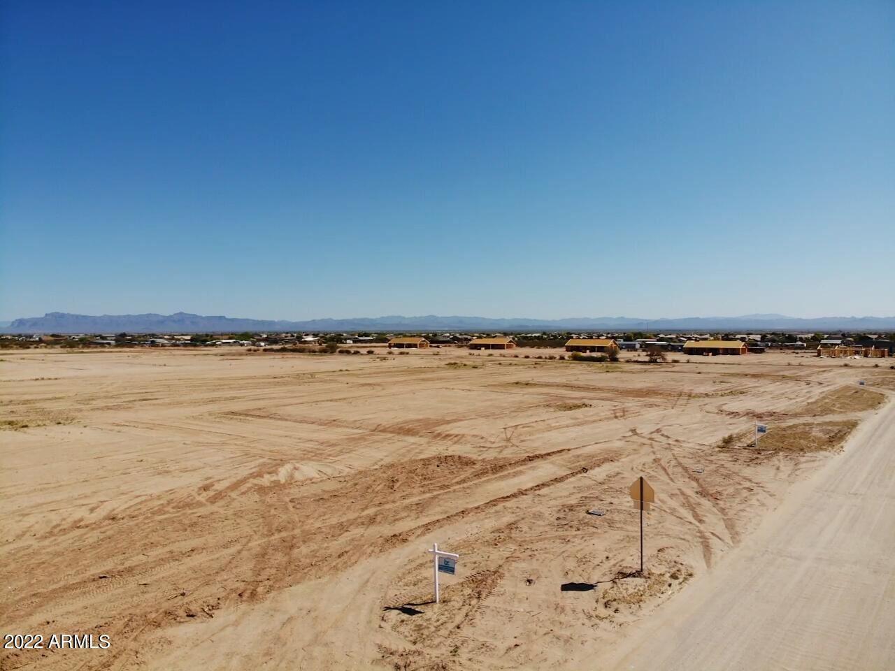 Photo of 0 W Silverdale Road, Queen Creek, AZ 85143 (MLS # 6306482)