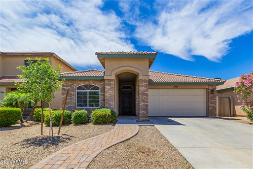 Photo of 2921 W CHANUTE Pass, Phoenix, AZ 85041 (MLS # 6229483)