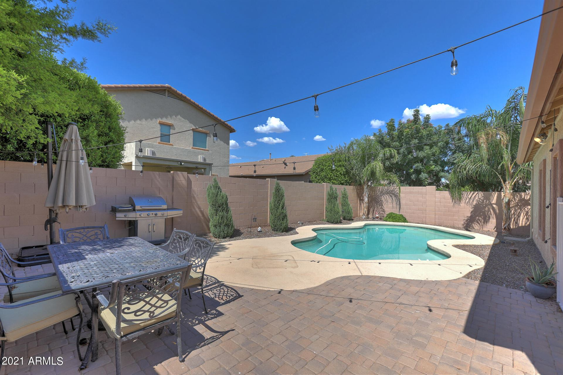 Photo of 10138 W PARKWAY Drive, Tolleson, AZ 85353 (MLS # 6272483)