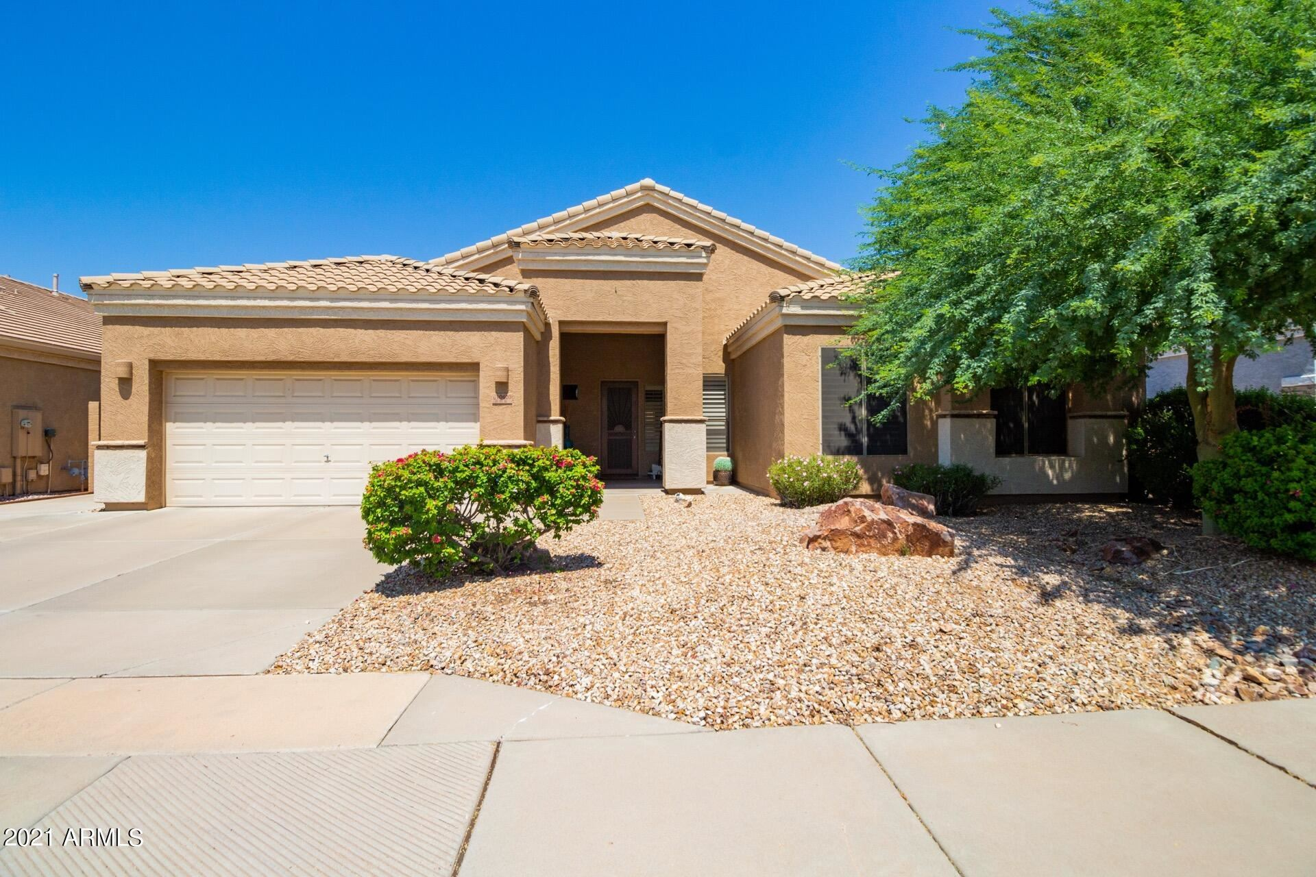 Photo of 10420 E IRWIN Circle, Mesa, AZ 85209 (MLS # 6293485)