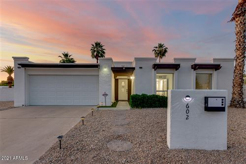 Photo of 602 E CALAVAR Road, Phoenix, AZ 85022 (MLS # 6236495)